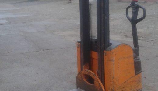 Wózek paletowy z masztem STILL EGV 14